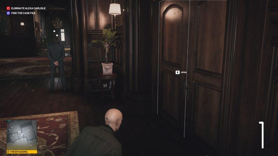 Hitman 3 Dartmoor Silent Assassin Suit Only, vor Zachs Zimmer
